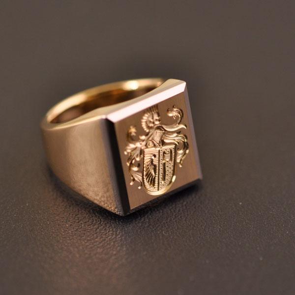 Siegelringe bei Gygax Juwelier Aarau